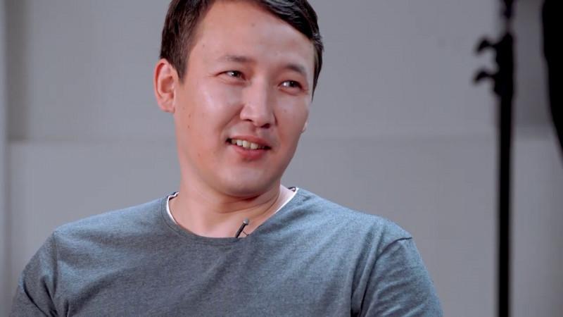 Көмекке мұқтаж адамға ақша жинаған танымал қазақстандық блогердің басы дауға қалды