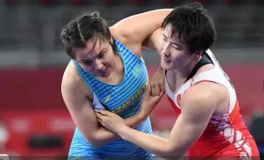 Сыздықова Олимпиадада қырғызстандық балуан қыздан жеңілді