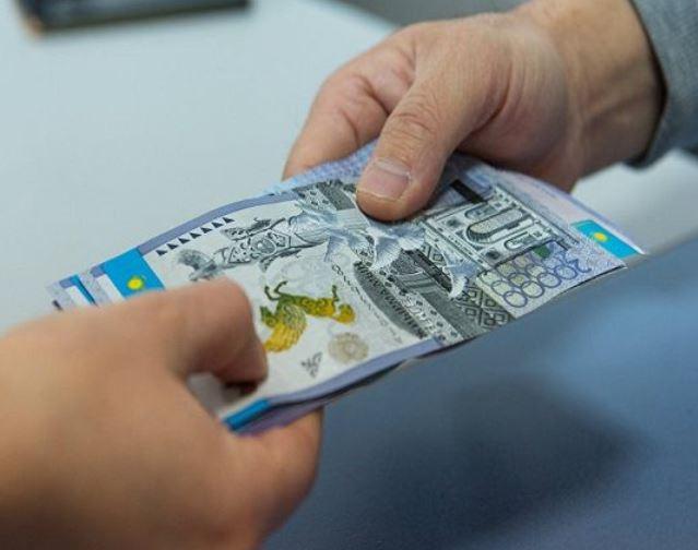 Түркістандық шенеунік «Ашық» қосымшасын енгізу үшін кәсіпкерлерден пара алып отырған
