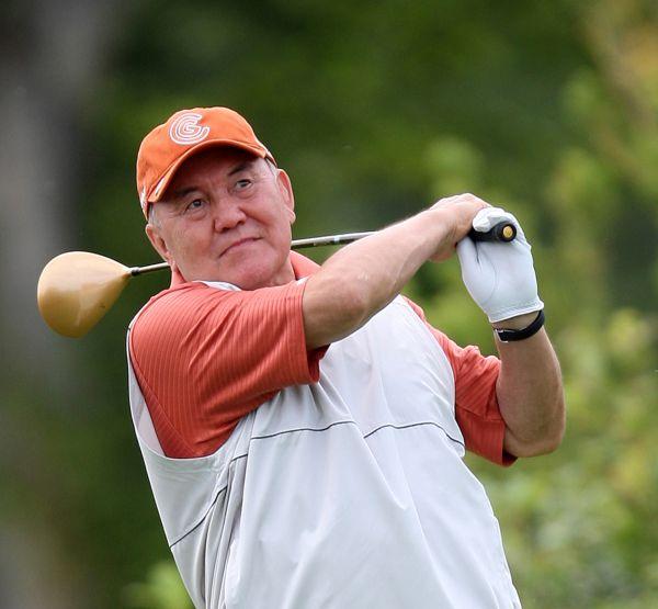 Әлеуметтік желіде Назарбаевтың гольф ойнап жүрген видеосы жарияланды
